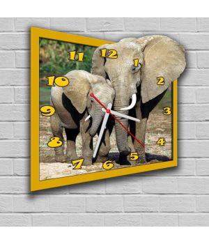 Фігурний настінний годинник з 3D ефектом Слони F3, 30х32 см
