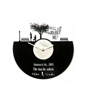 Виниловые часы именные №3