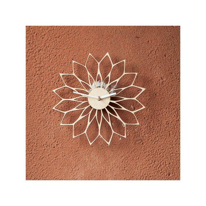 Деревянные настенные часы Цветок