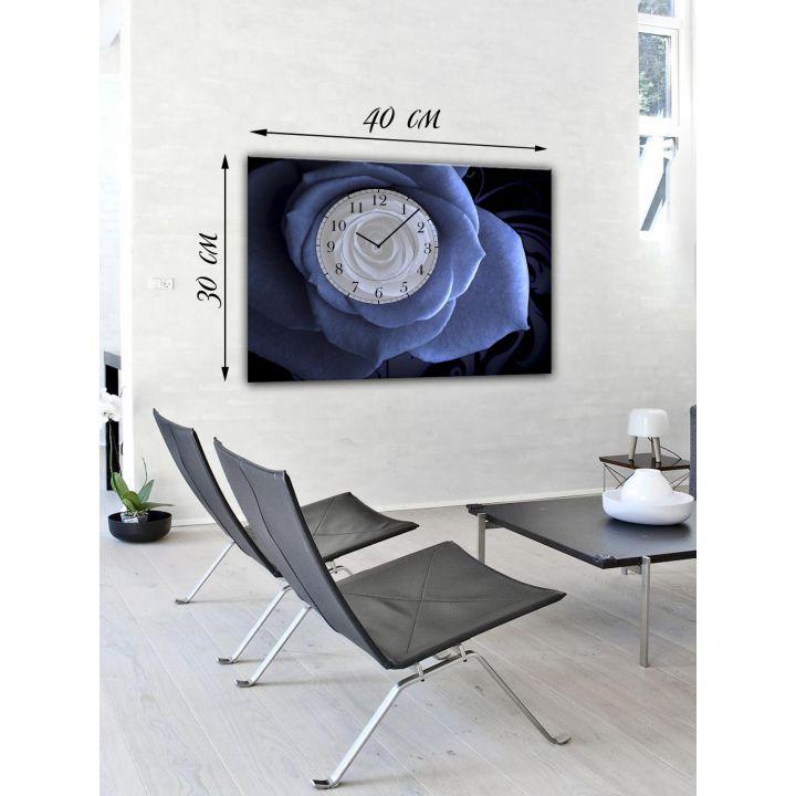 Декоративные часы на стену 30х40 на холсте Синий цветок