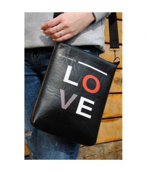 "Кожаная женская сумка через плечо ""All you need is love"""